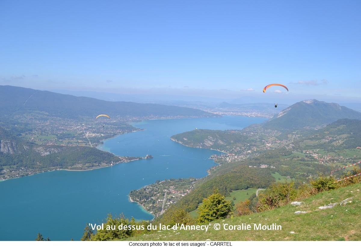 'Vol au-dessus du lac d'Annecy' © Coralie Moulin