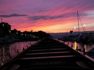 'la barque'- photo prise lors d'une balade au soleil couchant © Camille Musitelli